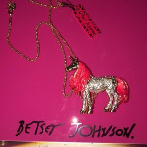 """Wow Pink Unicorn from Betsy Johnson Necklace 3"""""""